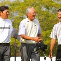 人気者3選手のホールアウトは一際大きな拍手が沸き起こった 2010年 富士フイルムシニアチャンピオンシップ 最終日 青木功、尾崎健夫、飯合肇