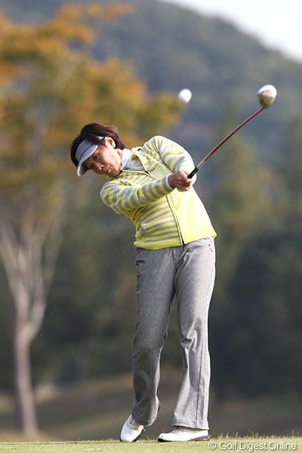 2010年 伊藤園レディスゴルフトーナメント 初日  伊藤園所属のベテランプロ、明日の追い上げを期待です。