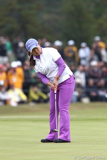 2010年 伊藤園レディスゴルフトーナメント 最終日 佐伯三貴 最終ホールのファーストパット、惜しくもウィニングパットにはならず。