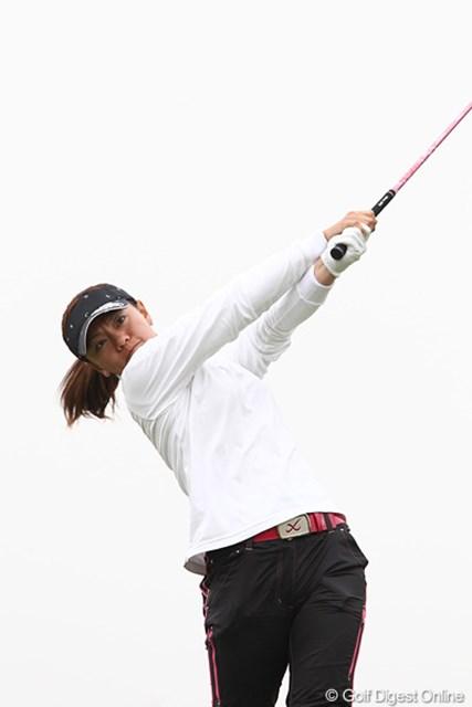 2010年 伊藤園レディスゴルフトーナメント 最終日 中田美枝 9アンダー、2位フィニッシュ。そういえばこの間ホテルが一緒でした。