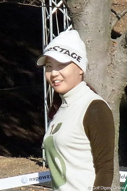 2010年 LPGAツアーチャンピオンシップリコーカップ 金ナリ 運動能力の高さを感じさせる金ナリ。来年が楽しみな選手(撮影:リコー CX4)