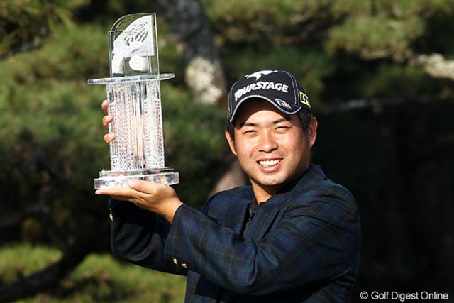 2010年 ダンロップフェニックストーナメント 最終日 池田勇太 今季4勝目を挙げ、賞金王争いに名乗りを上げた池田勇太