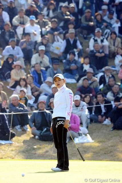 2010年 大王製紙エリエールレディスオープン 最終日 横峯さくら マジで優勝が視野に入ったもんなァ。それが15、18番のボギーで・・・。ま、サクラらしいといえばらしいんやけど・・・。
