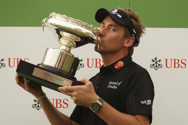 2010年 UBS香港オープン 最終日 イアン・ポールター 通算22アンダーで逃げ切り、今季2勝目を飾ったイアン・ポールター(Ian Walton/Getty Images)