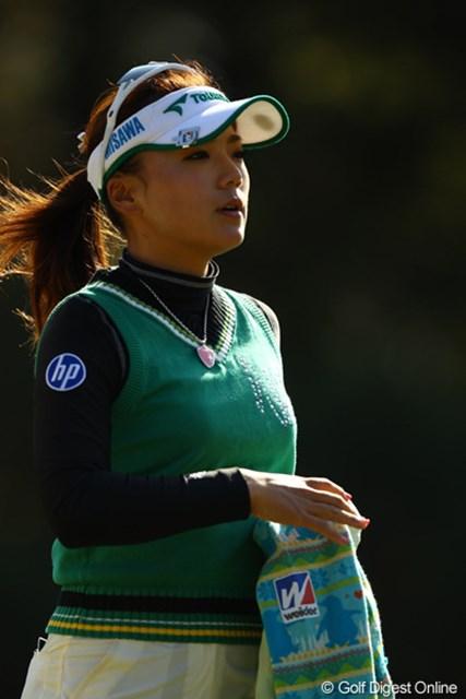 2010年 LPGAツアーチャンピオンシップリコーカップ 2日目 有村智恵 最後に耐える事が出来ず、2つスコアを落としてしまいました。逆光の有村さん綺麗です。