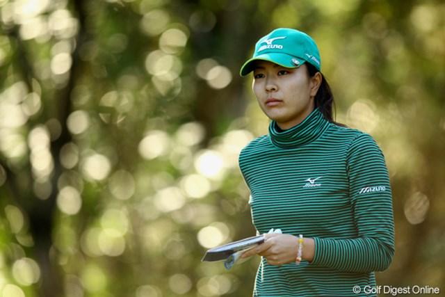 2010年 LPGAツアーチャンピオンシップリコーカップ 2日目 服部真夕 朝の木漏れ日は綺麗ですねぇ。