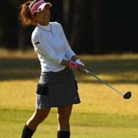 ミスショットでも何故かこの笑顔。「だって昨日はひとりのゴルフで淋しかったけど、今日は2サムでラウンド出来るから、それだけで嬉しいっ!」 2010年 LPGAツアーチャンピオンシップリコーカップ 2日目 甲田良美