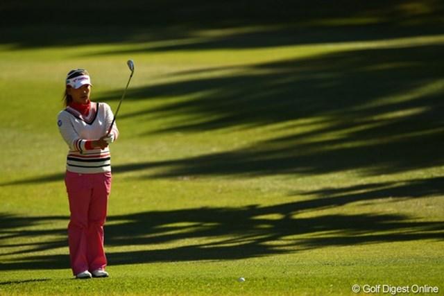 2010年 LPGAツアーチャンピオンシップリコーカップ3日目 有村智恵 バーディを取りたい13番ロングホールでの素ダボが痛かったです。