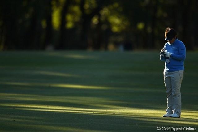 2010年 LPGAツアーチャンピオンシップリコーカップ3日目 ウェイ・ユンジェ 「また明日も一人かぁ。3日間も一人ぼっちで淋しい・・・。出場選手を偶数にしてくれればイイのに・・・。」
