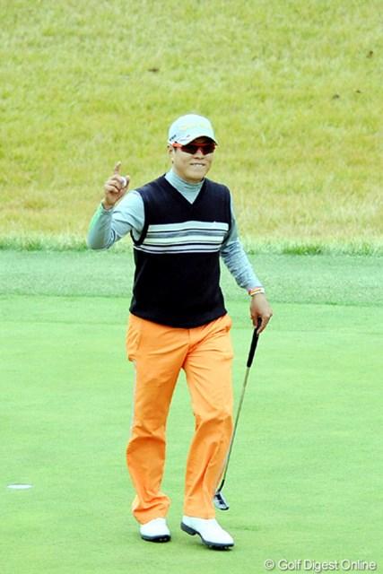 2010年 カシオワールドオープンゴルフトーナメント 最終日 H.T.キム 一時はキムvsキムかいなと・・・。韓国人選手には珍しく、けっこう喜怒哀楽が激しくて面白い選手です。3位