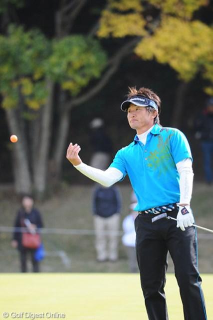 2010年 カシオワールドオープンゴルフトーナメント 最終日 宮本勝昌 3番のダボで優勝戦線から脱落・・・。その後は開き直って4バーディやっただけに・・・。4位