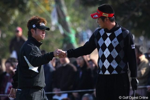 2010年 Hitachi 3Tours Championship 2010 池田勇太&松村道央 ダブルスでタッグを組んだ池田勇太と松村道央。息の合ったプレーで勝ち点3を獲得した