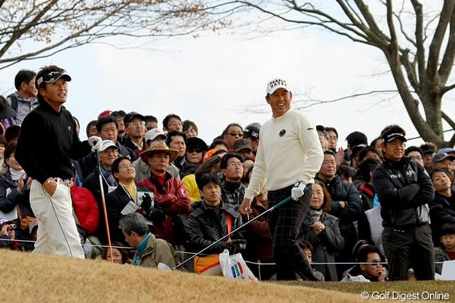2010年 Hitachi 3Tours Championship 2010 (左から)宮本勝昌、芹澤信雄、藤田寛之 宮本勝昌と藤田寛之は、ダブルスで師匠の芹澤信雄と対決。こんな対戦もこの大会ならでは