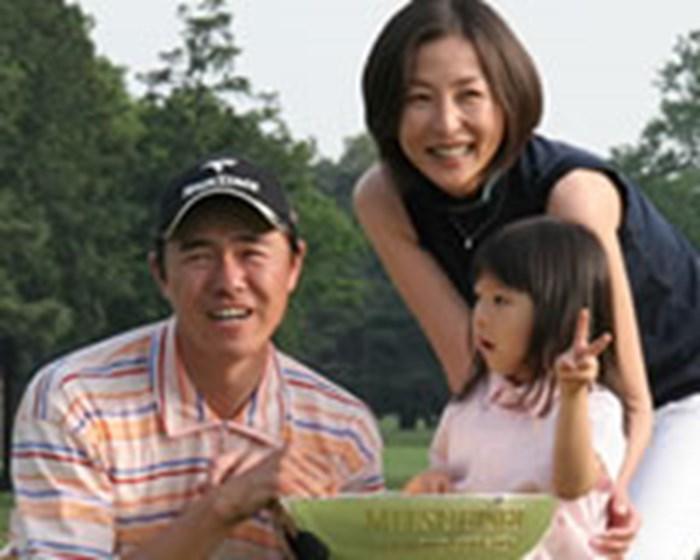 紗千(さち)ちゃん、妻・かとうれいこを前に目じりを下げた 2006年 プレーヤーズラウンジ 横尾要