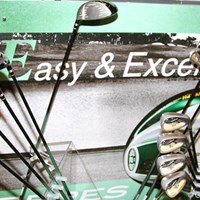 初心者に限らず易しさを求めるゴルファーはEシリーズを 2011年 ホットニュース 契約記者発表会 本間ゴルフ