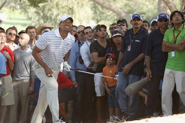 タイガー・ウッズ 2011年 オメガドバイデザートクラシック  強風の中、39-33と見事なバウンスバックで優勝戦線に踏みとどまったタイガー・ウッズ(Ian Walton/Getty Images)