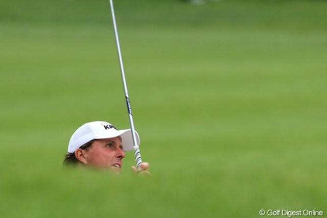 2011年 ノーザントラストオープン 2日目 フィル・ミケルソン なかなか浮上できないミケルソンは、トップと7打差の暫定26位タイ