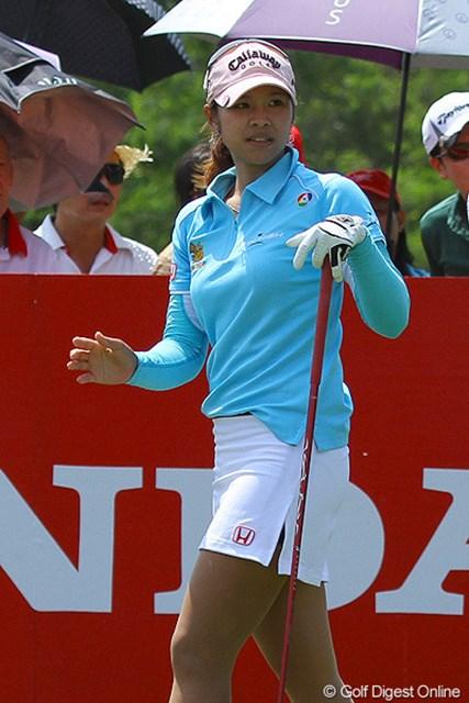 ファトラム・ポルナノン 2011年 ホンダLPGAタイランド 地元タイ人の声援を受けて活躍するファトラム・ポルナノン。両手を合わせて拝む挨拶が心地よい