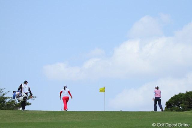 2011年 ダイキンオーキッドレディスゴルフトーナメント 初日 横峯さくら&宮里美香 さくら&美香。期待の二人は会心のラウンドとはいかなかった