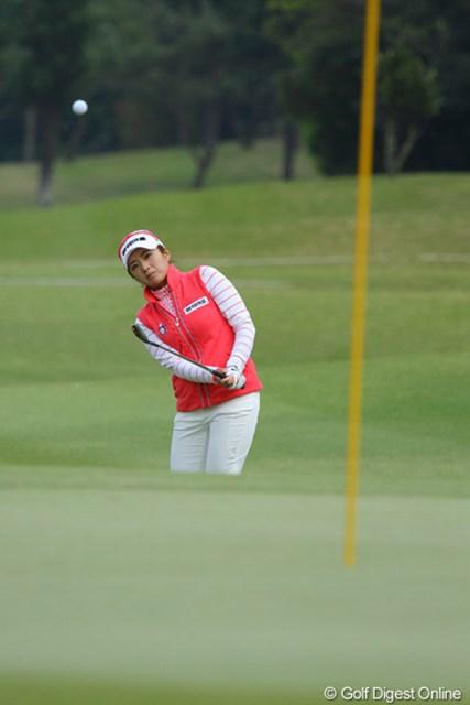2011年 ダイキンオーキッドレディスゴルフトーナメント 初日 イ・ボミ さすが昨年の韓国ツアー賞金女王。さりげなく1アンダー5位発進のイ・ボミ