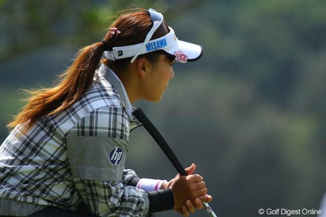 2011年 ダイキンオーキッドレディスゴルフトーナメント 初日 有村智恵 今日はパットに苦しんだ有村智恵