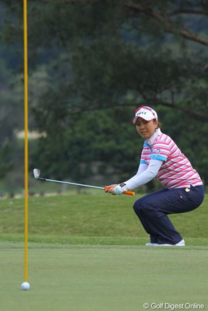 2011年 ダイキンオーキッドレディスゴルフトーナメント 初日 宮里美香 美香、グリーンエッジから惜しくもチップインならず