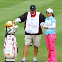 最終9番では1打目、2打目ともにディボットに入りこの表情 2011年 ダイキンオーキッドレディスゴルフトーナメント 2日目 宮里美香