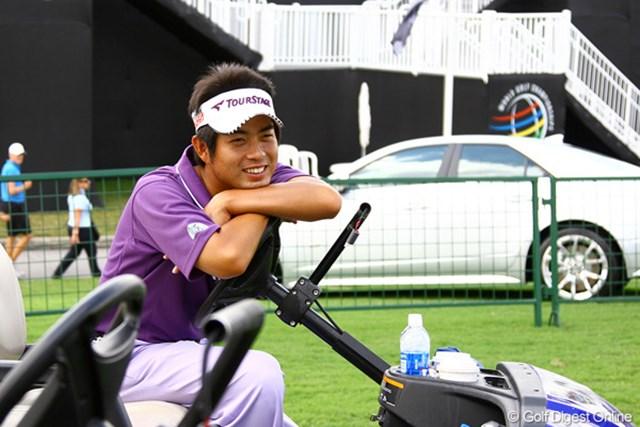 2011年 WGC キャデラック選手権 練習日 池田勇太 池田勇太は練習ラウンド後、カートで一休み