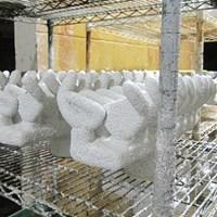 6.乾燥させてからこの工程を何度も繰り返し、何重ものセラミックコーティングを施す ~番外編 工場見学、鋳造アイアンができるまで~ 米国PING本社に潜入レポート! NO.6