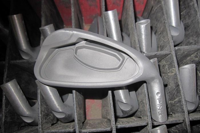 19.これで鋳造ヘッドが出来上がり。ヘッドの装飾や表面の仕上げなどは組立工程で行う ~番外編 工場見学、鋳造アイアンができるまで~ 米国PING本社に潜入レポート! NO.19