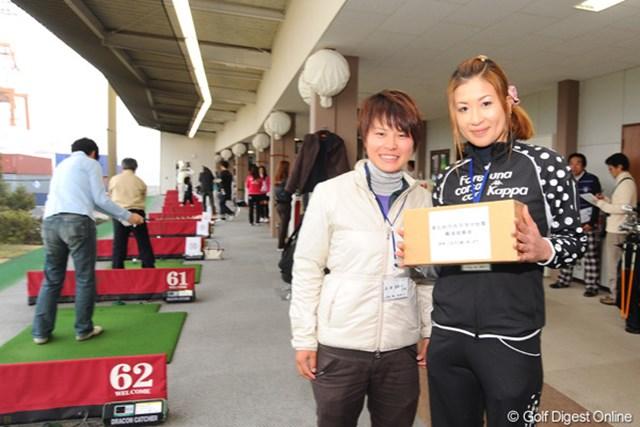 神戸に本拠を置く江連アカデミーに所属する辻村明須香、永田あおいもチャリティに参加