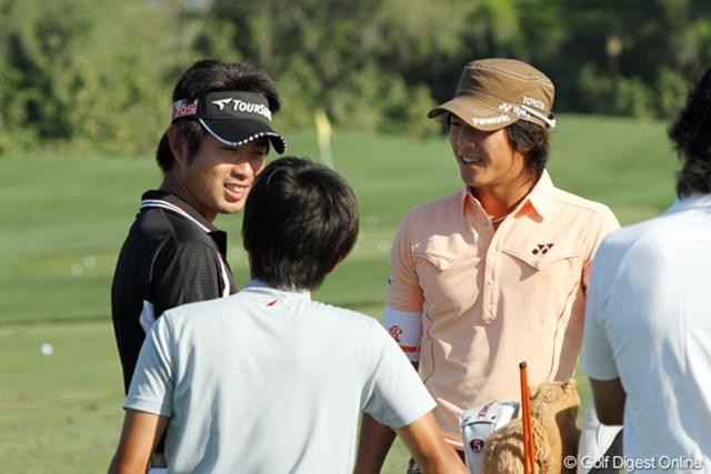 練習中に談笑する石川遼と池田勇太。昨年に続く出場となる試合で結果を残したい