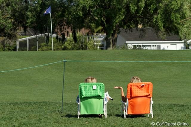 2011年 アーノルド・パーマーインビテーショナル 初日 ギャラリー ゴルフ談義? 人気選手の組が去ったあとは、こんなに静か