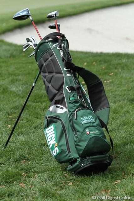 2011年 アーノルド・パーマーインビテーショナル 3日目 ロッコ・ミディエイトのキャディバッグ ロッコ・ミディエイトはなぜか学生が使うようなスタンドバッグを愛用