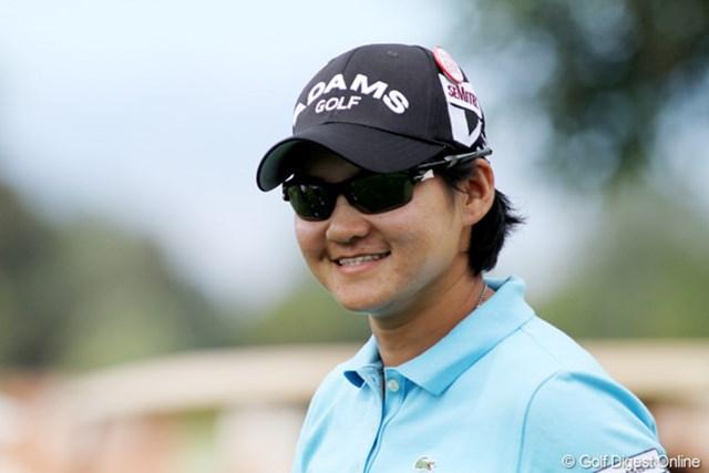 ヤニ・ツェン 2011年クラフトナビスコチャンピオンシップ 「まけるな日本」のバッジ、つけてます