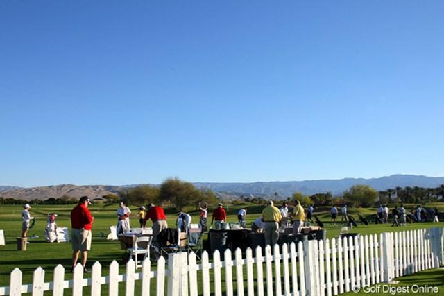 早朝の練習場 2011年クラフトナビスコチャンピオンシップ 連日、抜けるような晴天に恵まれているミッションヒルズCC