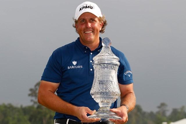 2011年 シェル・ヒューストンオープン 最終日 フィル・ミケルソン およそ1年ぶりの優勝を果たしたフィル・ミケルソン(Michael Cohen/Getty Images)