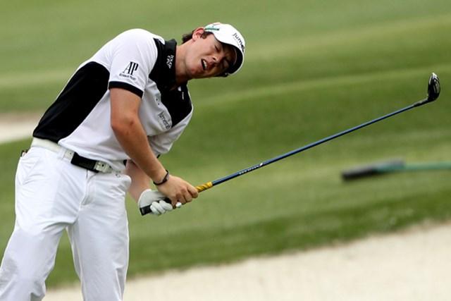 ここまで完璧なゴルフを見せているマキロイも8番の2打目はミスショット(Andrew Redington/Getty Images)