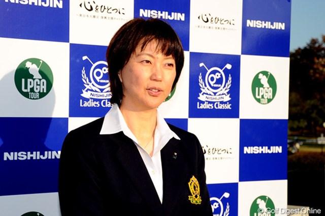 協会としての拠出とは別に、選手への提案という形で今回の支援をまとめた小林浩美会長