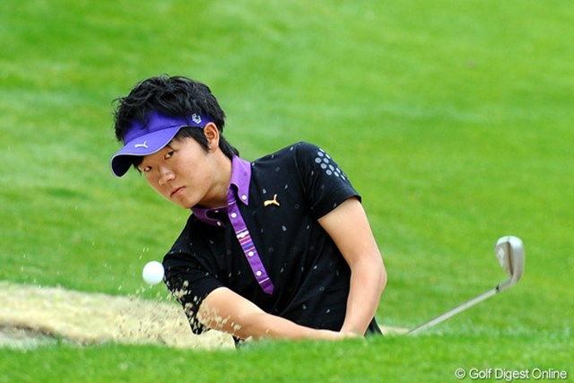 アマチュアながらバーディ合戦に加わり上位で決勝ラウンドを迎える浅地洋佑