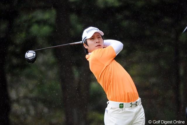 2011年 つるやオープンゴルフトーナメント 2日目 キム・キョンテ 昨年の賞金王が、早くも今季初勝利に大きく前進