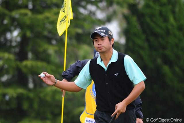 2011年 つるやオープンゴルフトーナメント 2日目 池田勇太 このコースがホンマに苦手なんやねェ。ちょっと目が泳ぎ気味でどや顔になってないもん。予落