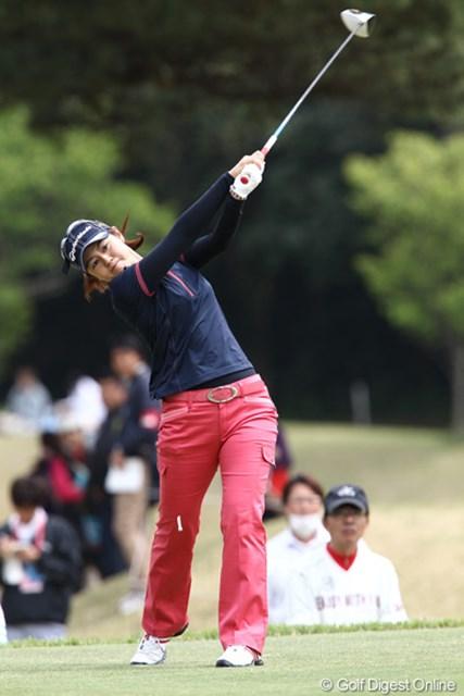 2011年 フジサンケイレディスクラシック 初日 諸見里しのぶ -2、4位タイスタートのしーちゃん、「自分のゴルフをすれば勝つチャンスはあるし勝ちたいです。」