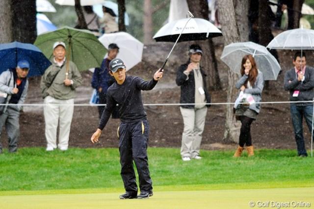 2011年 つるやオープンゴルフトーナメント 3日目 近藤共弘 故障に悩まされるシーズンを送ってきた近藤共弘がVへ王手。最終日は22ホールの長丁場となる