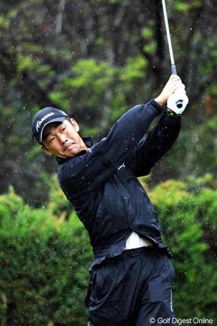2011年 つるやオープンゴルフトーナメント 3日目 久保谷健一 今日はスコアを落としてしまいました・・・。遅いスタートの組には苦しい展開になったからなァ・・・