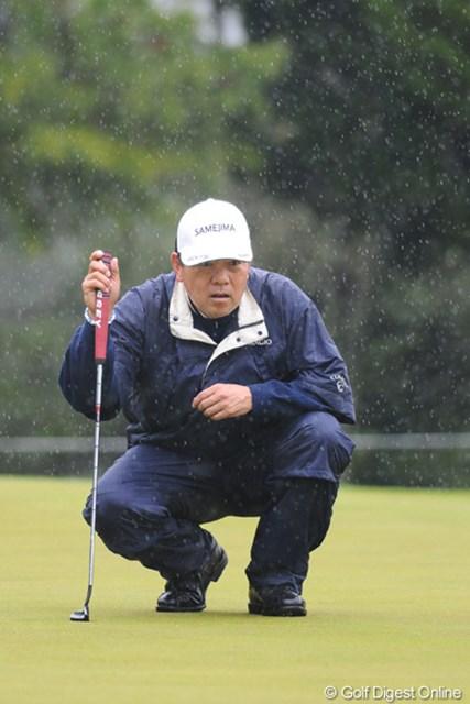 2011年 つるやオープンゴルフトーナメント 3日目 室田淳 プレー再開後スコアを崩してしまったのは残念。親子以上に年の離れた浅地君とのプレーはいかがでしたでしょうか?
