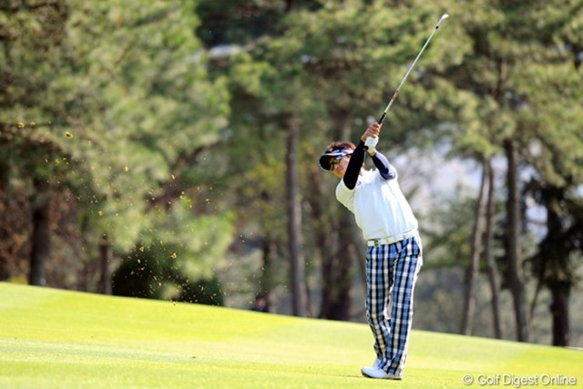 2011年 つるやオープンゴルフトーナメント 最終日 近藤共弘 3Rの残りが6時30分からスタートしたため、今朝は3時半に起きたそうです。クールなプレーで通しました!!