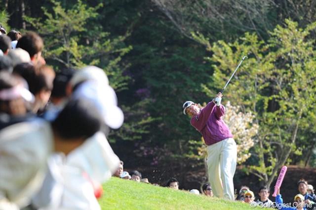 2011年 つるやオープンゴルフトーナメント 最終日 室田淳 長い4日間でしたねェ~。シニアには応えたんとちゃいます?取材する方もクタクタになりましたもん・・・。15位t