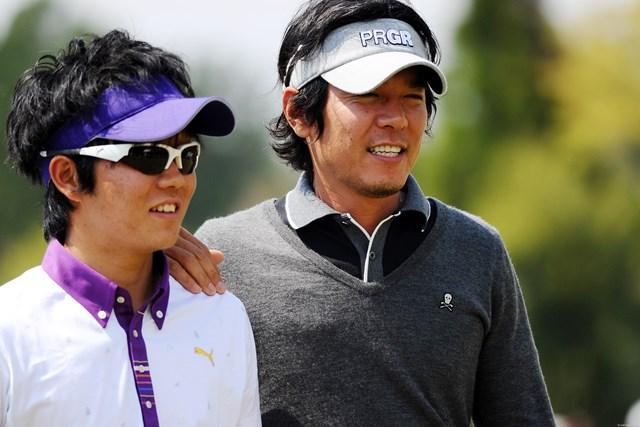2011年 つるやオープンゴルフトーナメント 最終日 矢野東、浅地洋佑 親しそうなのが意外でしたが、二人とも内藤コーチとの関係でお知り合いだそうです
