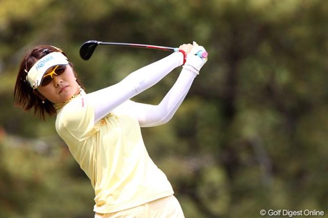 2011年 サイバーエージェントレディスゴルフトーナメント 2日目 藤田幸希 藤田幸希は中盤単独首位に立ちながらも首位と3打差の3位タイに後退した